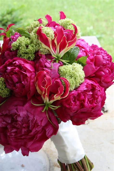 green and pink wedding bouquets wedding ideas orange weddings wedding flowers green and