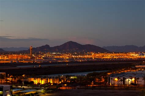 phoenix sky harbor international airport maintains