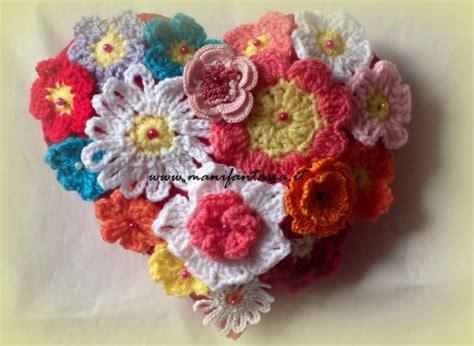 fiori di uncinetto cuore di fiori uncinetto manifantasia
