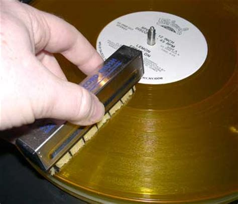 How To Keep Records After How To Clean Vinyl Records Get Better Sound Discomusic