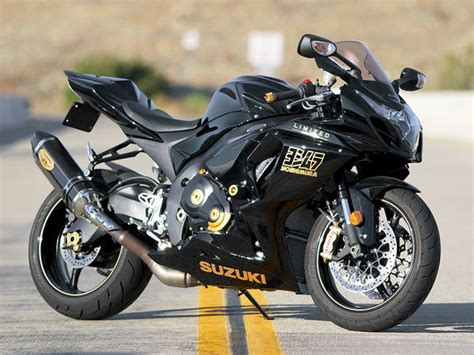 Knalpot Yoshimura R77 Black Edition 1 yoshimura limited edition suzuki gsx r1000 sportbike test shift new motorcycle review