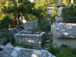 antik mezarlik deretepenet
