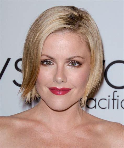 when dis jessica robertson cut her hair kathleen robertson this short blonde do is jagged cut