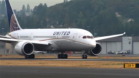 airline passenger complaints skyrocket toledo blade united airlines issues new policy after fiasco the blade