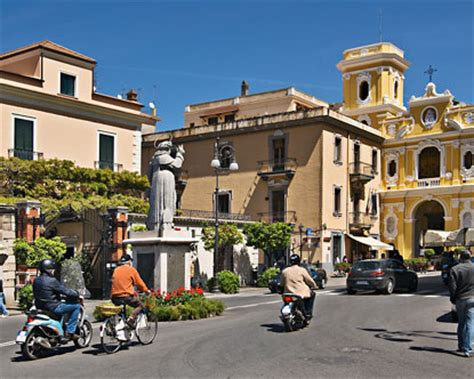 Piazza Tasso   Main Square in Sorrento