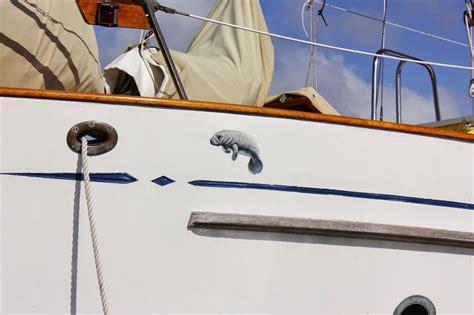 boat lettering in key largo shamrock adventures