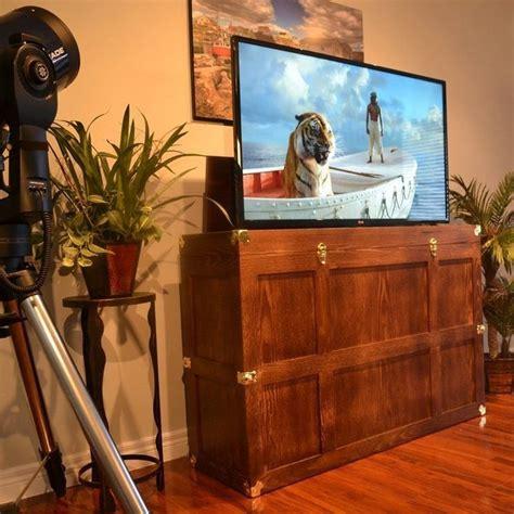 bermuda run end of bed trunk tv lift the voyager tv lift cabinet 187 petagadget