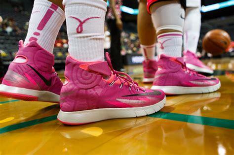 oregon ducks basketball shoes photos oregon women s basketball oregon ducks fall to