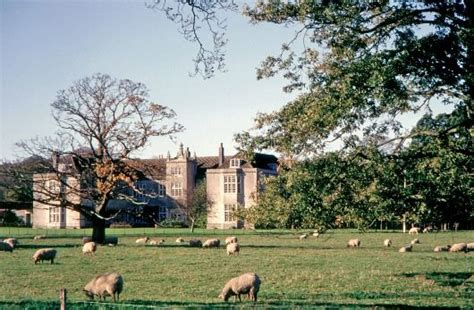 englefield house englefield is a late elizabethan e plan fairfield bridgwater somerset a manor house existed on