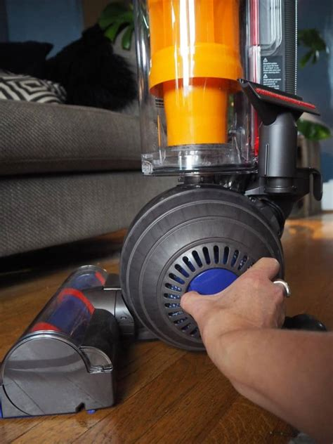 dyson light review a pre clean with the dyson light review