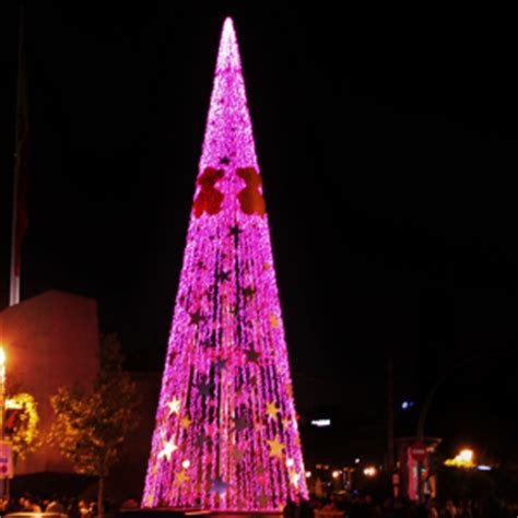 fenix tous christmas tree madrid spain