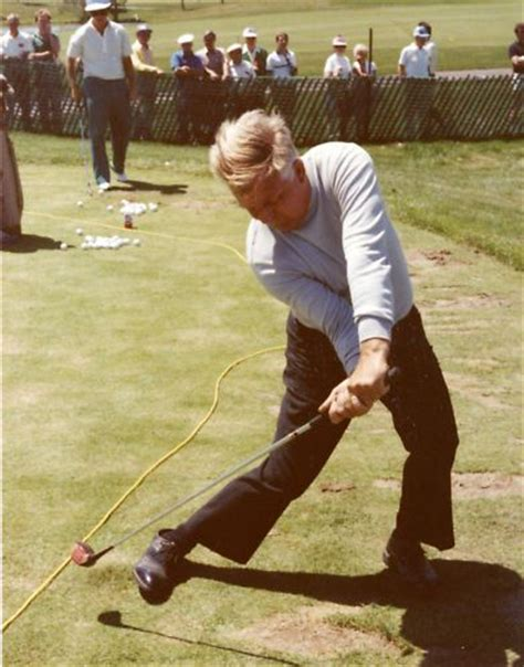 moe norman golf swing video moe norman 1984 golf lesson photo explaining position