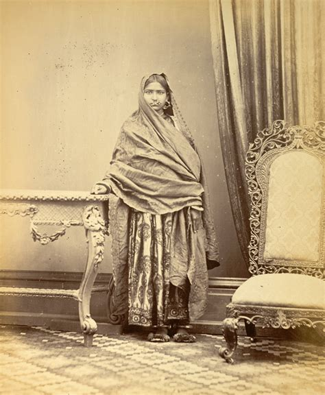 lade indiane portrait of a from sindh showing method of wearing