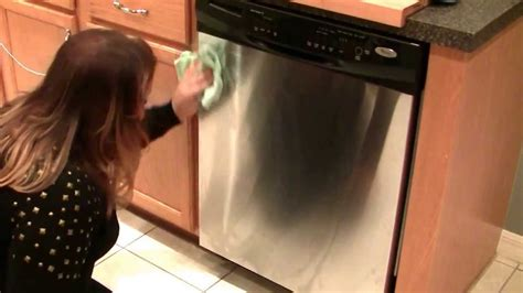 Cleaning Stainless Steel by Norwex with Jessica Miller