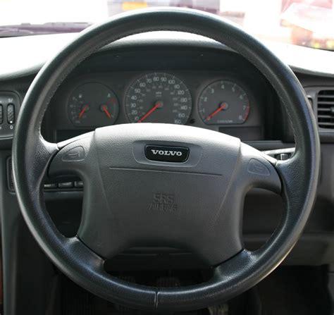 File Volvo Steering Wheel Jpg Wikimedia Commons