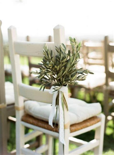 49 ideas de cómo decorar con ramas de olivo una boda