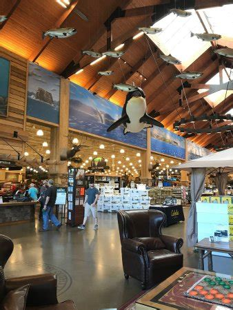 cabelas marysville boats photo1 jpg picture of cabela s tulalip washington