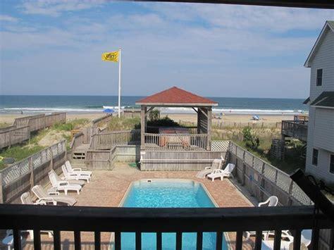 10 bedroom vacation rentals obx attitude 10 bedroom oceanfront vacation rental on