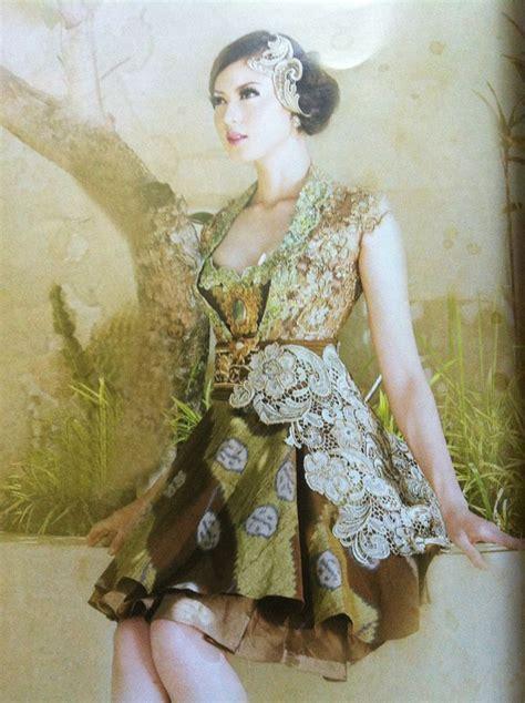 Gaun Pesta Brokat Intan pretty gown by intan avantie mix lace with batik tenun