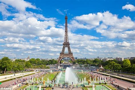 Paris Named As The Top Tourist Destination In The World