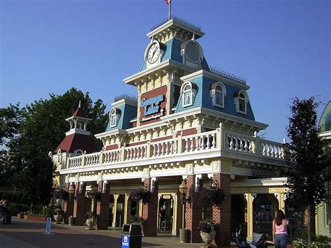 dinner boat ride cleveland ohio 17 best ideas about geauga lake amusement park on