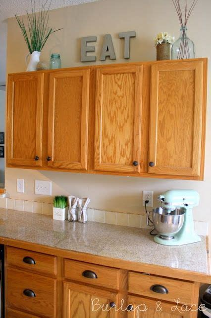 should i use knobs or pulls on kitchen cabinets best 25 kitchen knobs ideas on kitchen