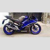 Yamaha R15 modi...