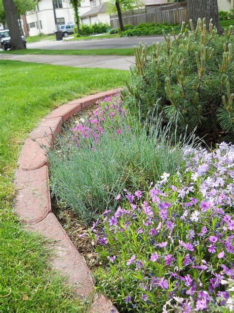 Landscape Edging Stones For Sale Landscape Borders Edging Ideas For Garden Landscaping