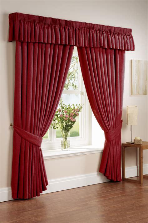 tende rosse consigli per la casa e l arredamento le tende arricciate