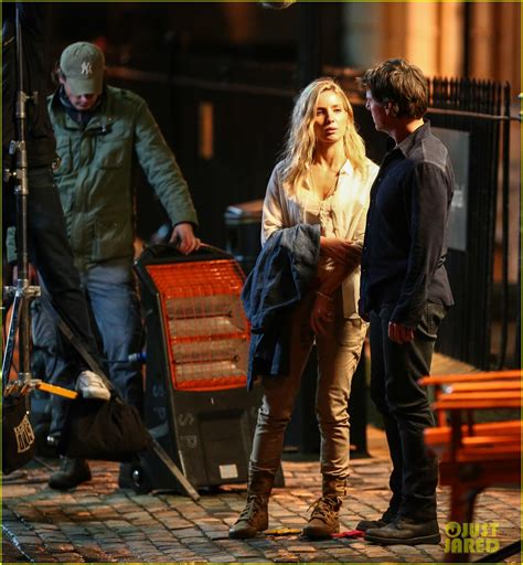 Set Cardi Anabel tom cruise spotted on the mummy set with annabelle