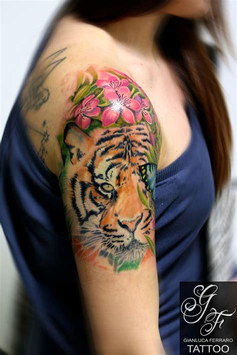 fiori colorati spalla tatuaggi fiori colorati spalla qk69 187 regardsdefemmes