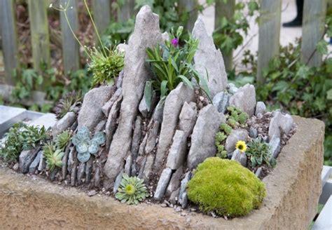 Kleiner Steingarten Bilder Einen Dekorativen Steingarten Anzulegen Ist Mit Obi