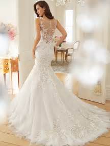 Time a delicate sheer tulle curved bateau neckline with lace