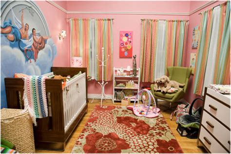 modern family bedroom modern family three funny families and their three fab houses