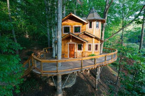 best treehouses you ll want to spend the night in these 10 treehouses
