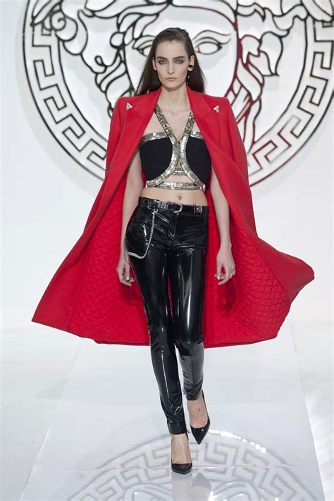 Guess Lorex Leahter pop culture and fashion magic versace fall winter 2013