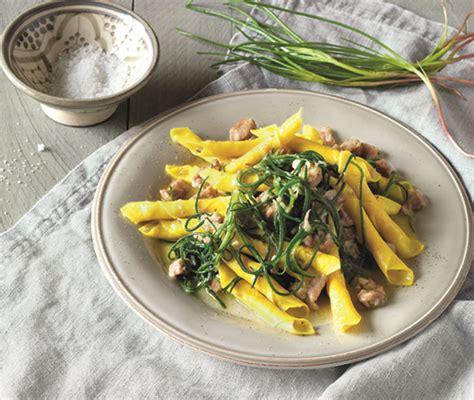 scuola di cucina italiana scuola di cucina come arrotolare i garganelli la cucina