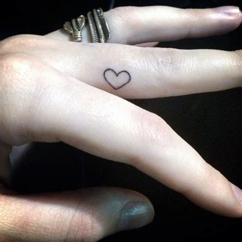 tattoo finger mom 101 cute finger tattoos designs your mom will also allow