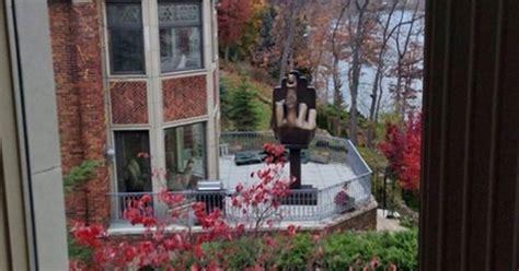 alan markovitz middle finger statue strip club owner