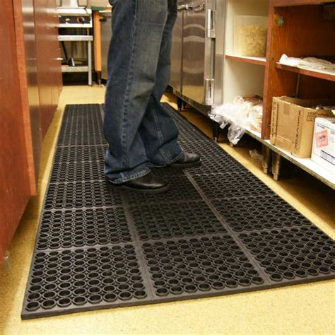 rubber kitchen floor mats quot dura chef 7 8 inch quot anti fatigue kitchen mats