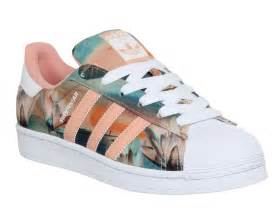 Nearest Flower Shop - adidas superstar 2 dust pink farm print w his trainers