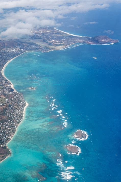 water hawaii oahu s windward coast has the absolute bluest water in hawaii