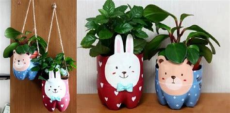 Toko Cat Akrilik Jakarta Selatan hiasi rumah dengan pot tanaman hias dari botol plastik