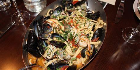 cucinare frutti di mare ricetta scialatielli ai frutti di mare roba da donne
