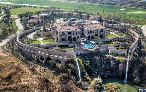 douw s r250m palazzo steyn reflects my confidence in sa fin24