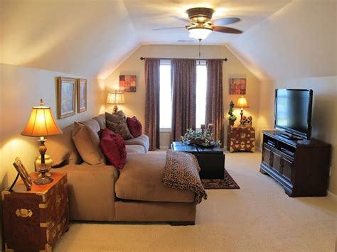 how to cool upstairs bedrooms best 25 small tv rooms ideas on pinterest space tv