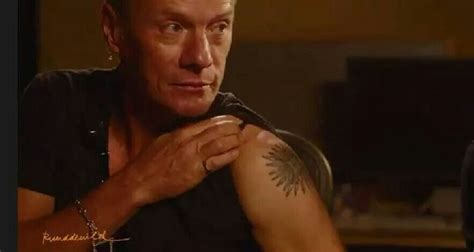 larry caputo jr shirtless 321 best images about larry mullen jnr on pinterest