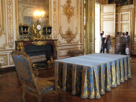 versailles dining room fifi flowers royal tablescapes