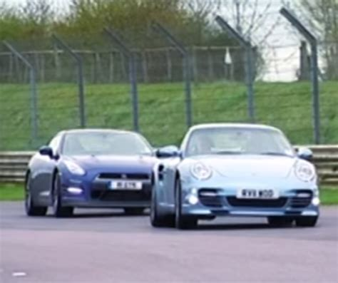 Porsche 911 Turbo Vs Gtr by Fifth Gear Nissan Gtr Vs Porsche 911 Turbo S Video