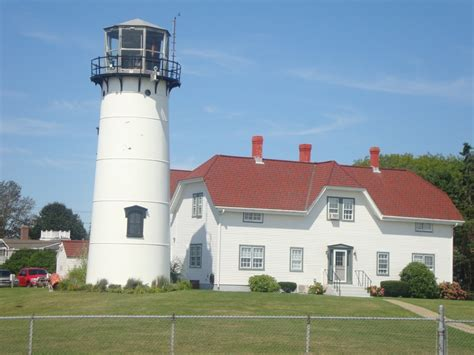 lighthouse in cape cod ma chatham lighthouse cape cod ma favorite places spaces